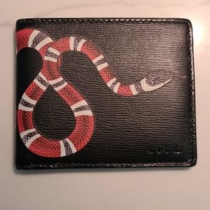 Authentic Gucci snake men's bifold wallet